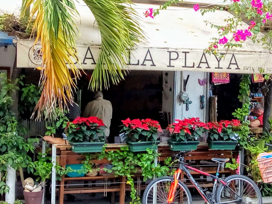 Exterior entrance to bar la playa.